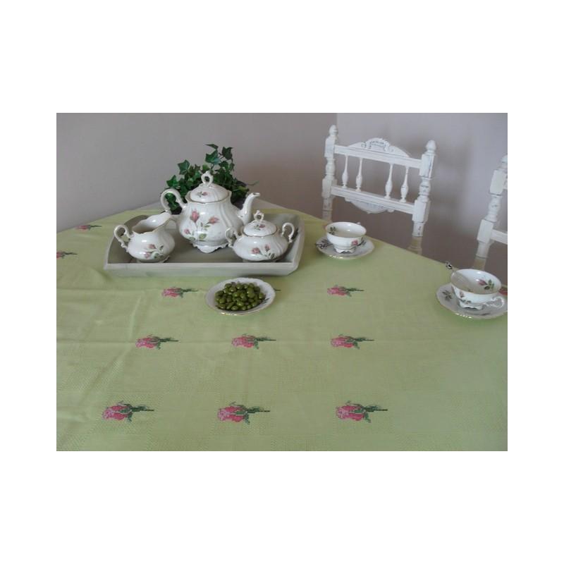 Muis gekleed als jongen in een stoere babyribbroek en bloes €15,95