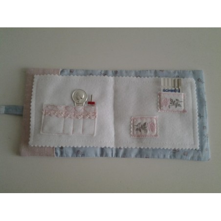Kerstcadeauzak wit met groene kerststof en rendier €4,95