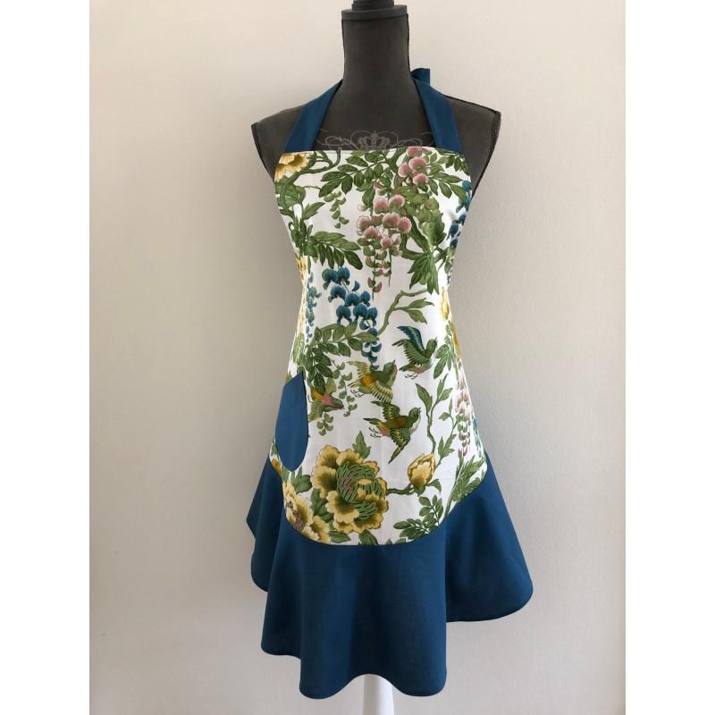 Kerst / menukaart met handgeborduurd huisje
