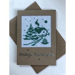 Kerstbal met handgeborduurd meisje en rendier Ø 10 cm €7,95