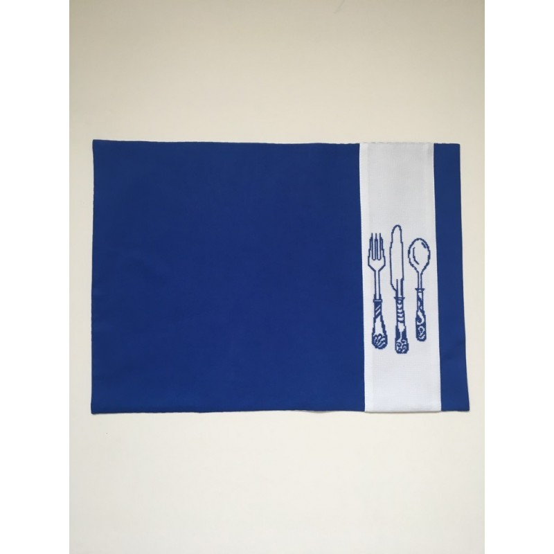 Kerstbal met handgeborduurd jongentje en hond Ø 12 cm