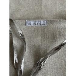 Tafelkleed met rozenknopjes €44,95