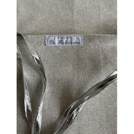 Tafelkleed met rozenknopjes